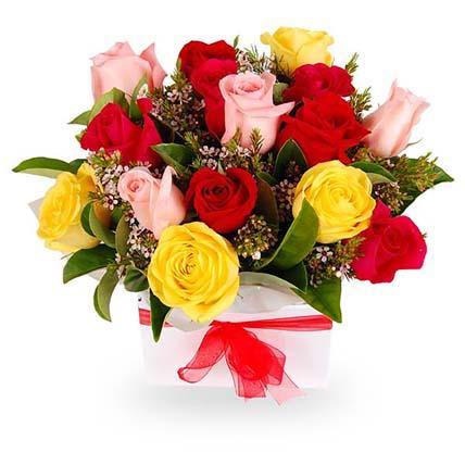 Bunch of Roses & Viburnum: Send Gifts to Australia
