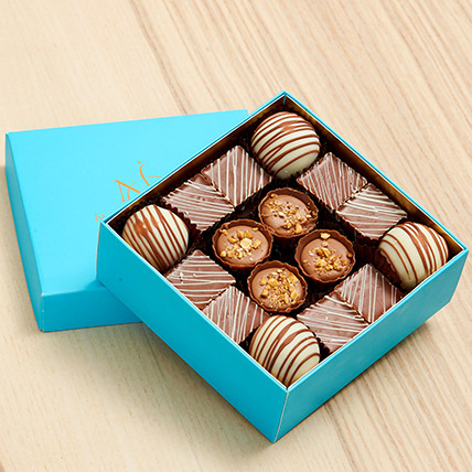 Delicious Chocolate Box- 16 Pcs: Gifts Under 99