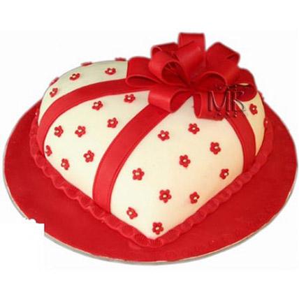 Special Hearshape Cake: Red Velvet Cake