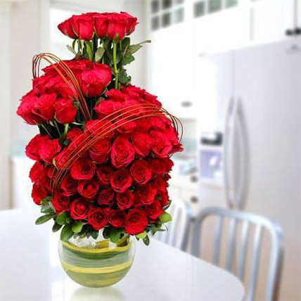 Romantic Arrangement: Gifts for Sister