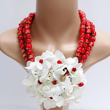 Free Spirit: Flower Jewellery