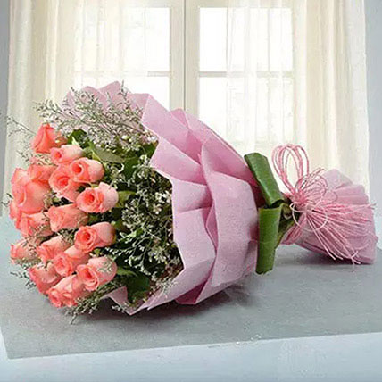 Bouquet for Celebration: Teddy Day Flowers
