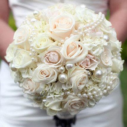 Sophisticated Bridal Bouquet: Wedding Bouquets