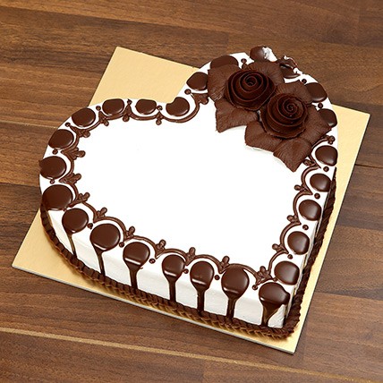 Heart Shaped Chocolate Cake For Valentines Day: Valentines Day Chocolates