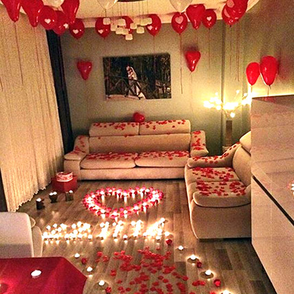 Romantic Decor Of Balloons and Candles: