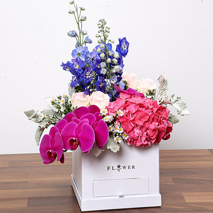 Dazzling Floral Box With Chocolates: Flower Box Dubai