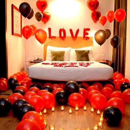 Picturesque Love Decor: Balloon Decorations