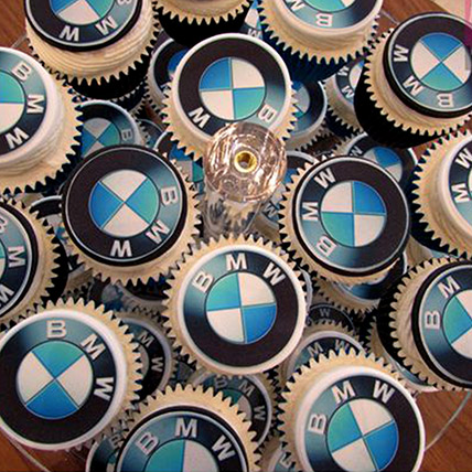 BMW Themed Cupcakes: McQueen Cakes