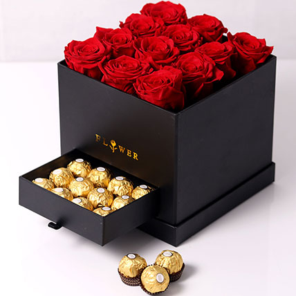 Forever Red Roses With Rochers In Box: Flower Box Dubai