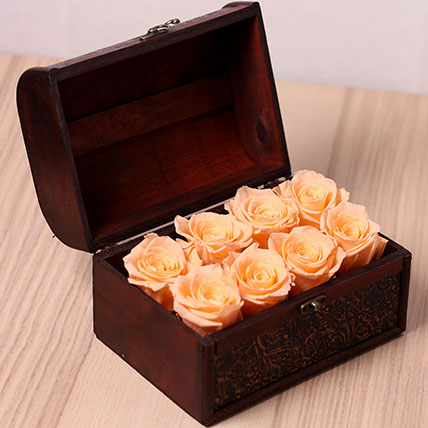 8 Peach Forever Roses in Treasure Box: Flower Box Dubai