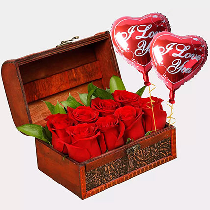 Treasured Roses with I Love You Balloons: Gifts Combos