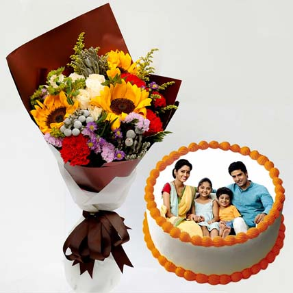 Pretty Flower Bunch & Vanilla Cake: Customized Cakes in Dubai