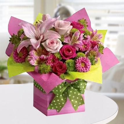Pretty Pink Present: Vase Arrangements