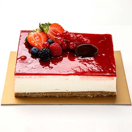 Strawberry Cheese Cake: Cake Delivery in Al Ain