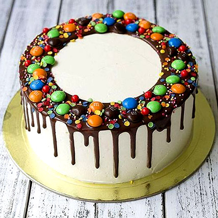 Delicious M&M Cake: Birthday Cakes