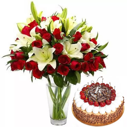 Lovely Combo: Cake and Flower Delivery in Dubai