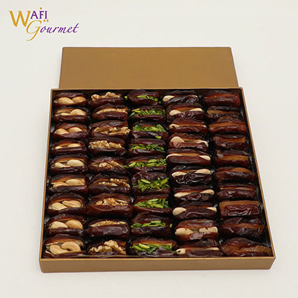 Box of Assorted Khudri Dates with Dry Nuts Fillings Gift by Wafi Gourmet 865g: Wafi Gourmet