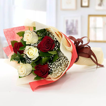 Beauty of Red n White Roses: Send Birthday Flowers