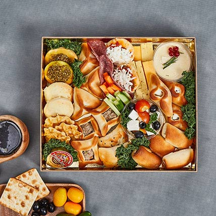 Cheese and Savoury Happiness Box: Gifts
