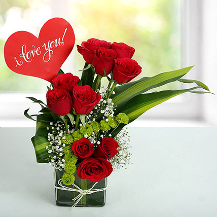 I LOVE YOU Flower Arrangement OM: Valentines Day Gifts to Oman