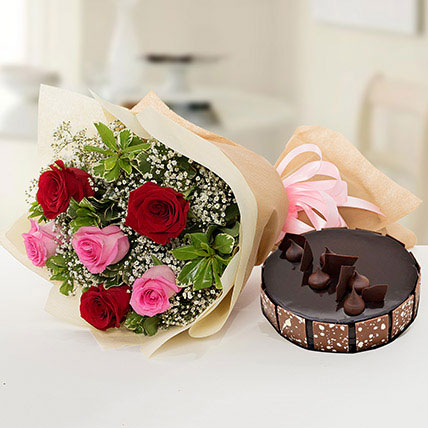 Beautiful Roses Bouquet With Chocolate Cake QT: Cakes to Doha