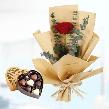 Red Rose Paper Wrap & Godiva Chocolates: Send Chocolates To Qatar