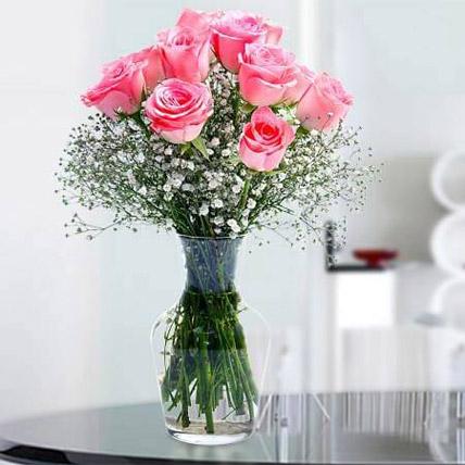 Glorious 12 Pink Roses SA: Send Gifts to Saudi Arabia
