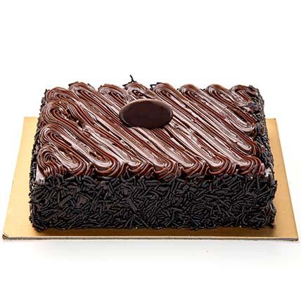 Chocolate Fudge Cake Half Kg: Cake Delivery in Riyadh