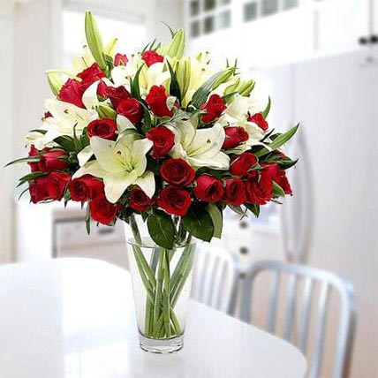 Cherish Joy With Lilies And Roses: Gifts To Al-Mubarraz