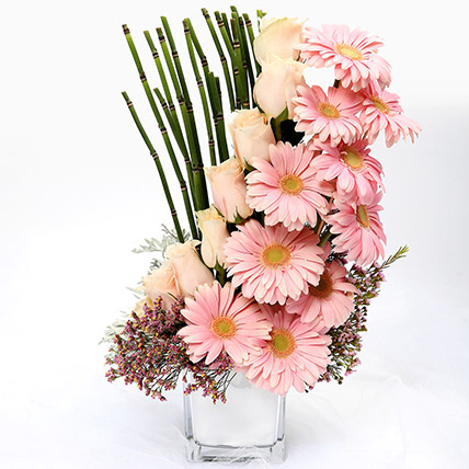 Heartfelt Mixed Roses and Gerbera Arrangement SG: Send Gifts to Singapore