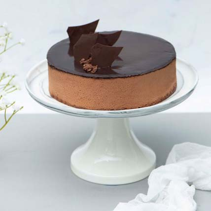 Irresistible Crunchy Chocolate Cake: Send Gifts to Singapore