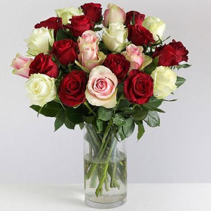 Beautiful Mixed Rose Arrangement: Send Gifts to UK