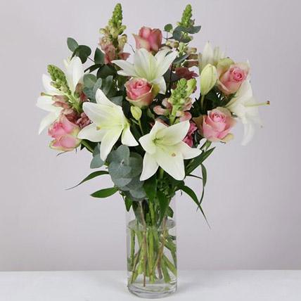 Sweet Love Floral Arrangement: Send Gifts to UK