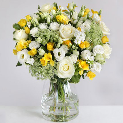 The Lemon Floral Arrangement: Send Gifts to UK